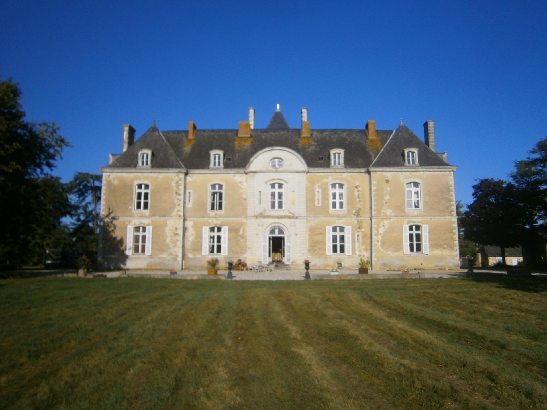 Chateau de noirieux saint laurent des mortiers